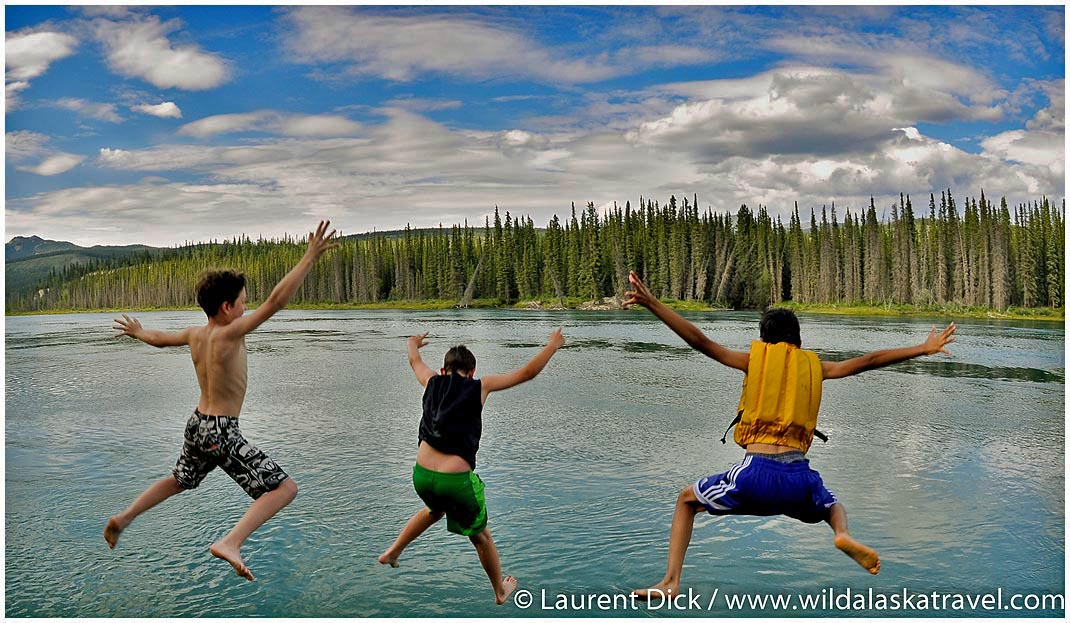 Yukon River Swimming - Photo (c) Laurent Dick - Wild Alaska Travel